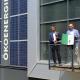 geschaeftsfuehrer-der-stadtwerke-muerzzuschlag-mit-energy-globe-award-vor-der-oekoenergiezentrale